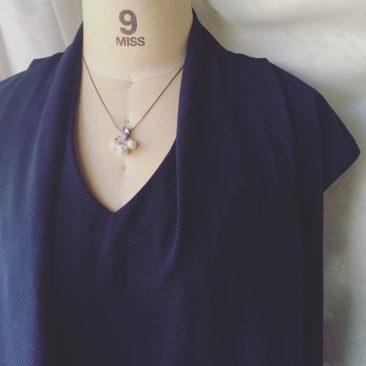 ヴィーナスの泡ネックレス一番短い装着時。