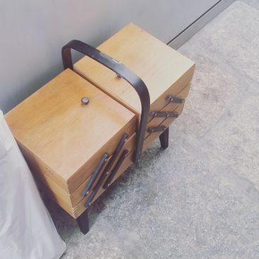1950年代の展開する道具箱はイギリスから