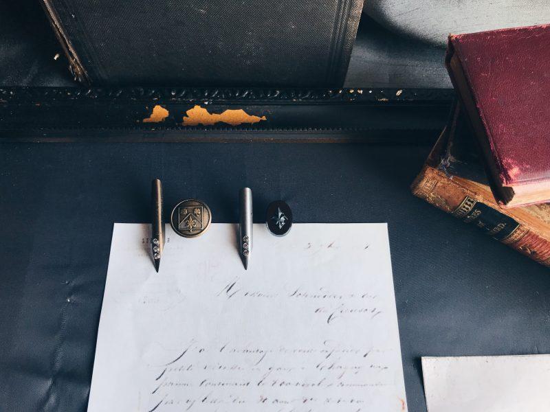 ヨーロッパのヴィンテージんペン先を使ったラペルピン(ピンブローチ)