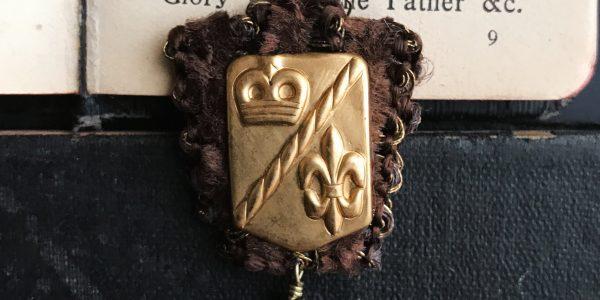 ユリの勲章 / ピンブローチ